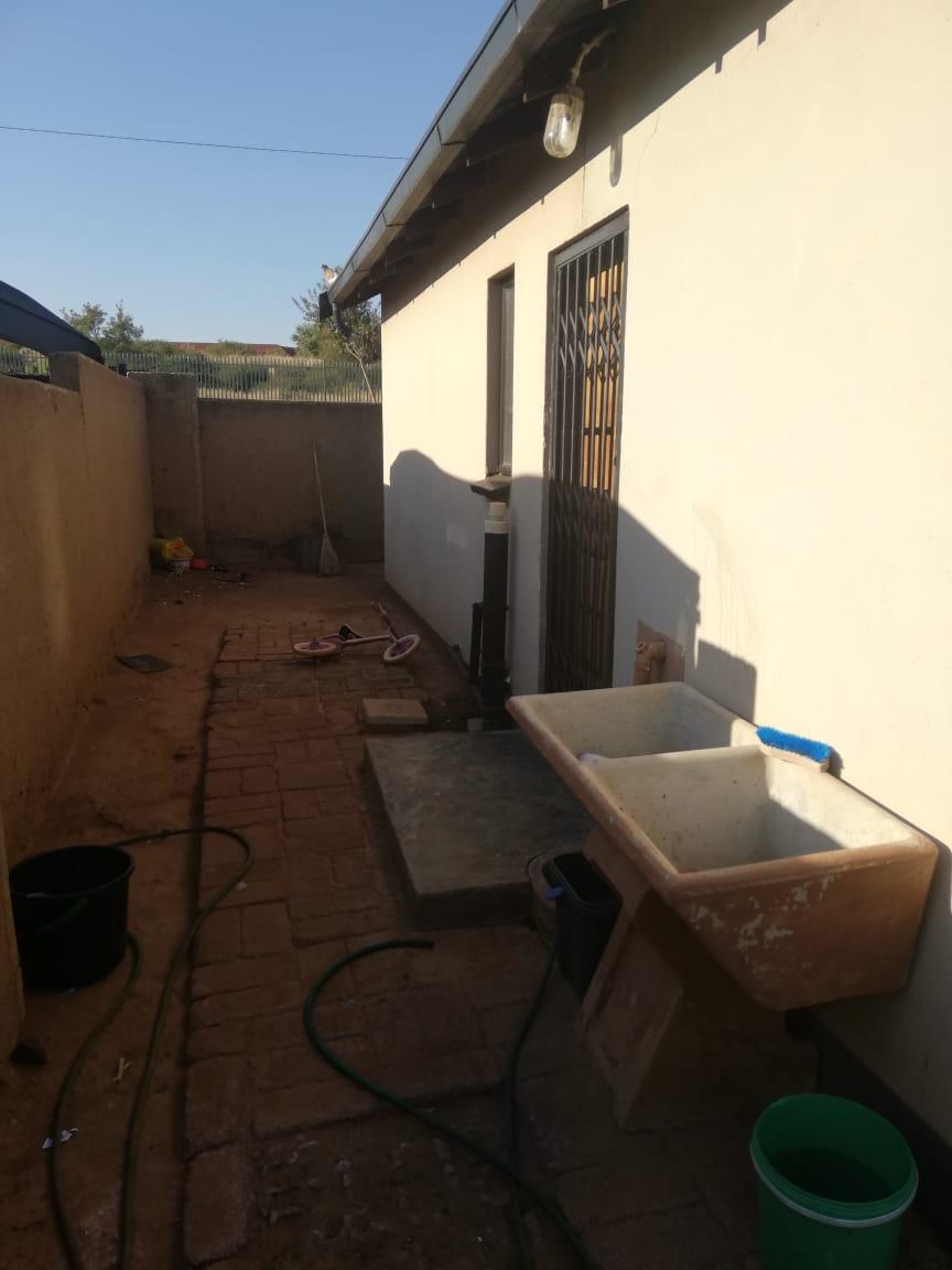 2 Bedroom House in Soshanguve Block UU – R 450 000