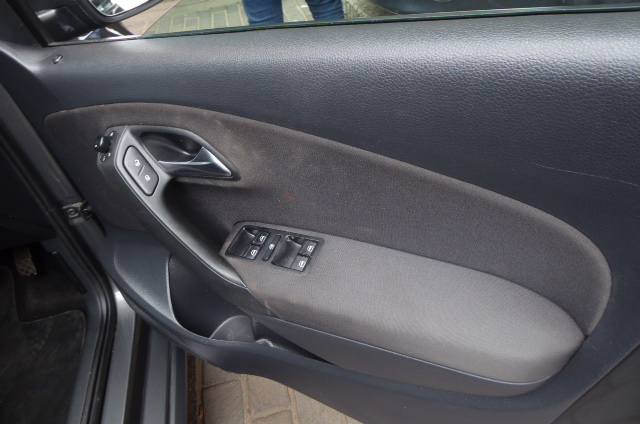 2013 Volkswagen Polo6 1.4 Comfort-Line Hatch Manual, Cloth Seats Full S