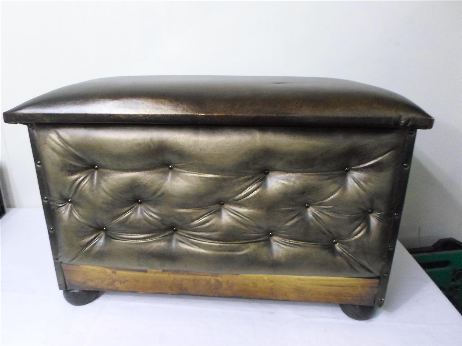 Ottoman/Bench