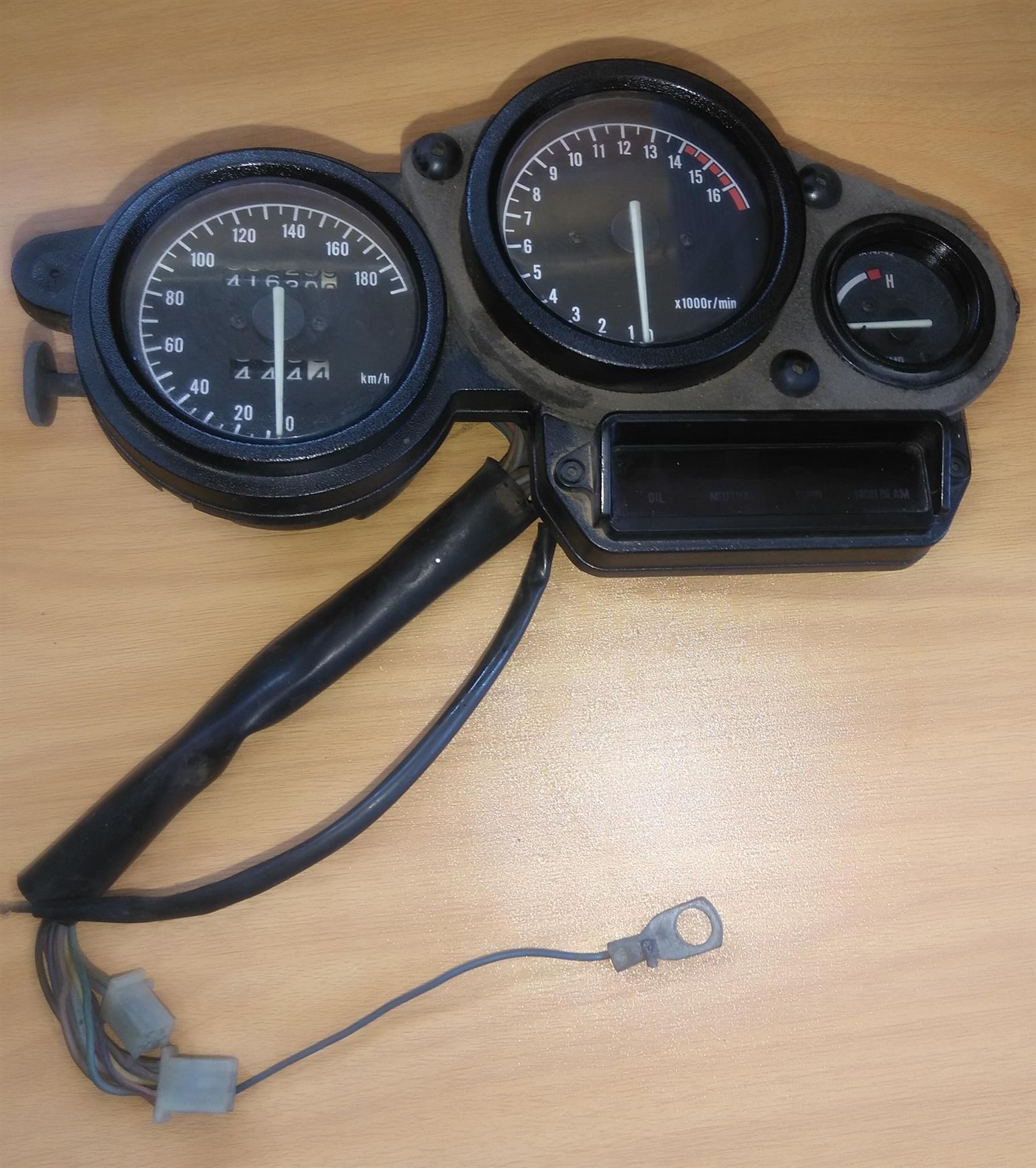 Yamaha FZR 400 EXUP Speedo Clocks