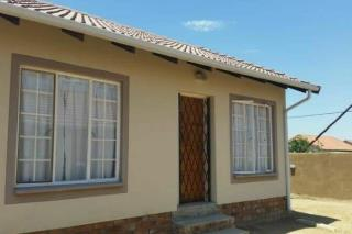 house to rent in pimville