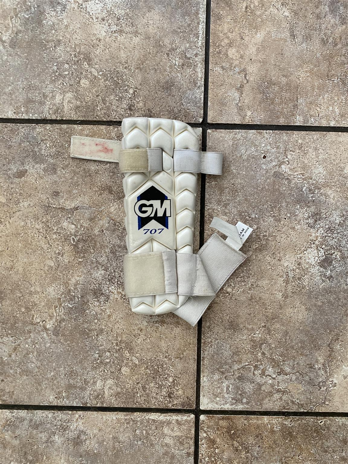 Cricket items. Size small adult