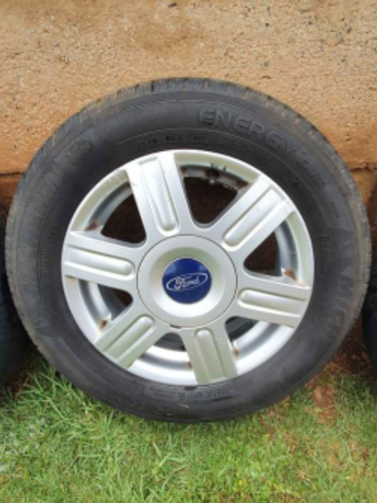 Ford fiesta mag wheels
