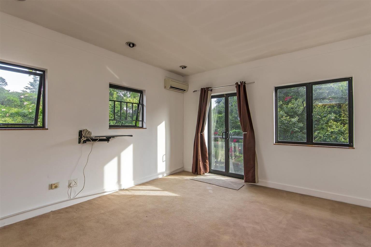 House For Sale in Morningside Manor