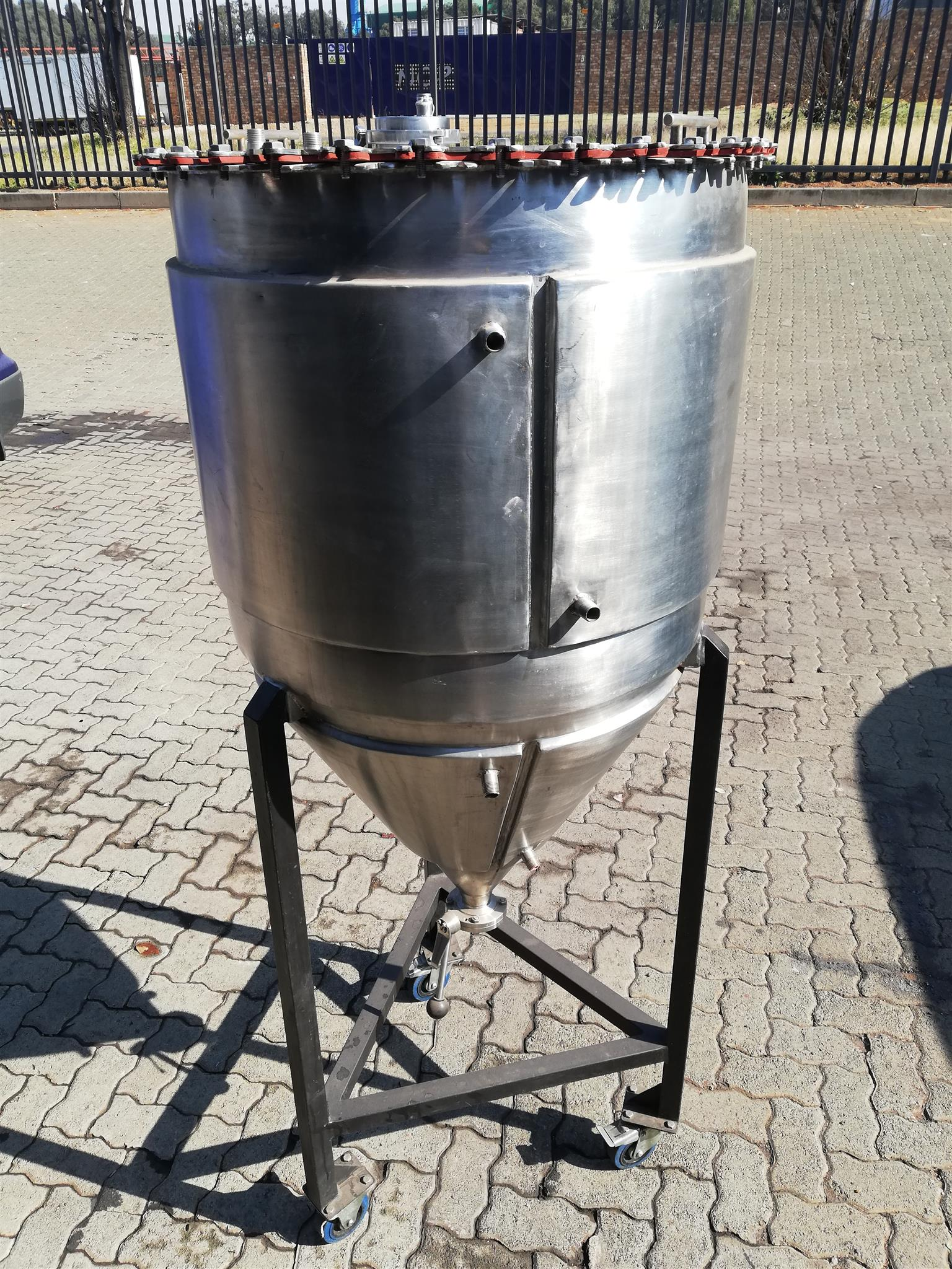 300L conical fermenter