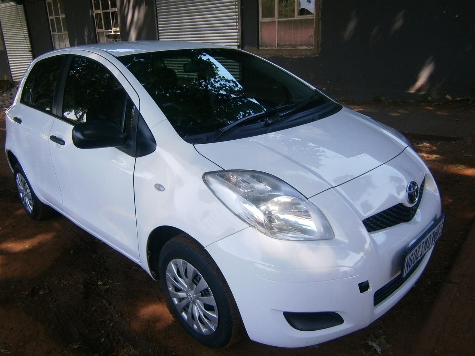 2010 Toyota Yaris 1.0 5 door T1