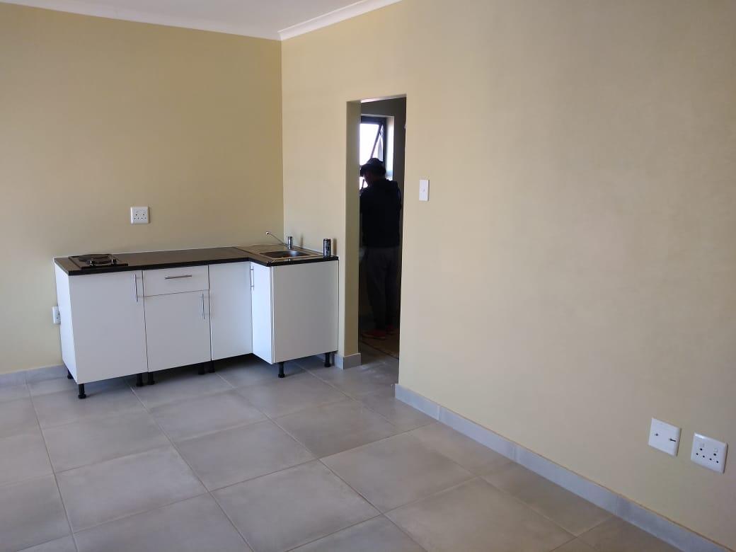 Bachelor apartment in Lotus Gardens
