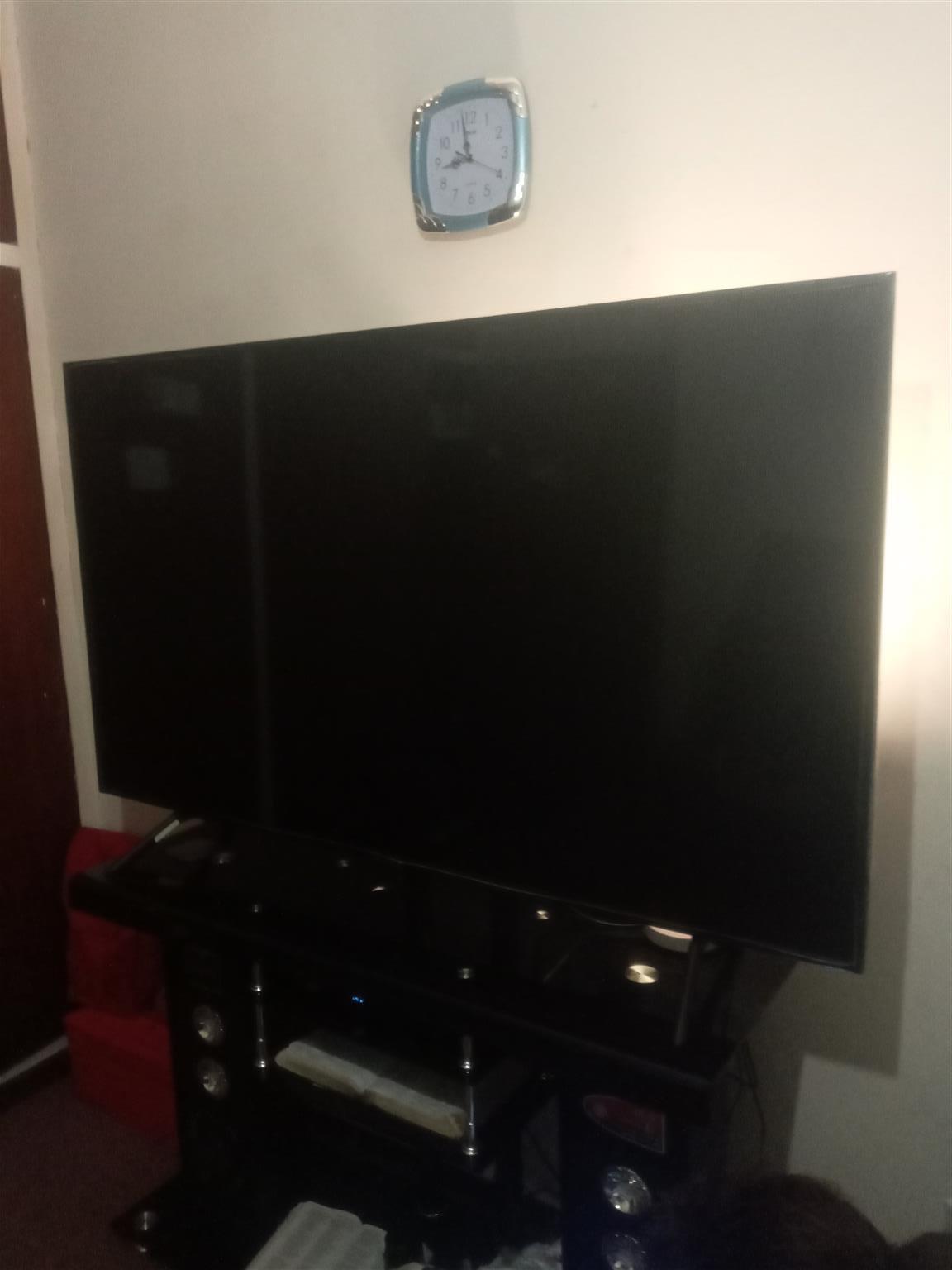 65inch Samsung Plasma TV still in very good condition have for 16months still in