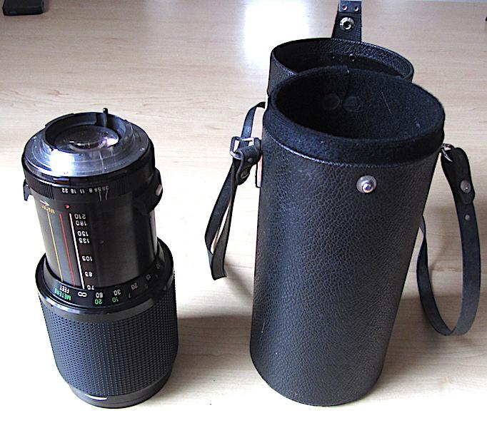 Vivitar Series 1 70 - 210 mm f3.5 Zoom Lens