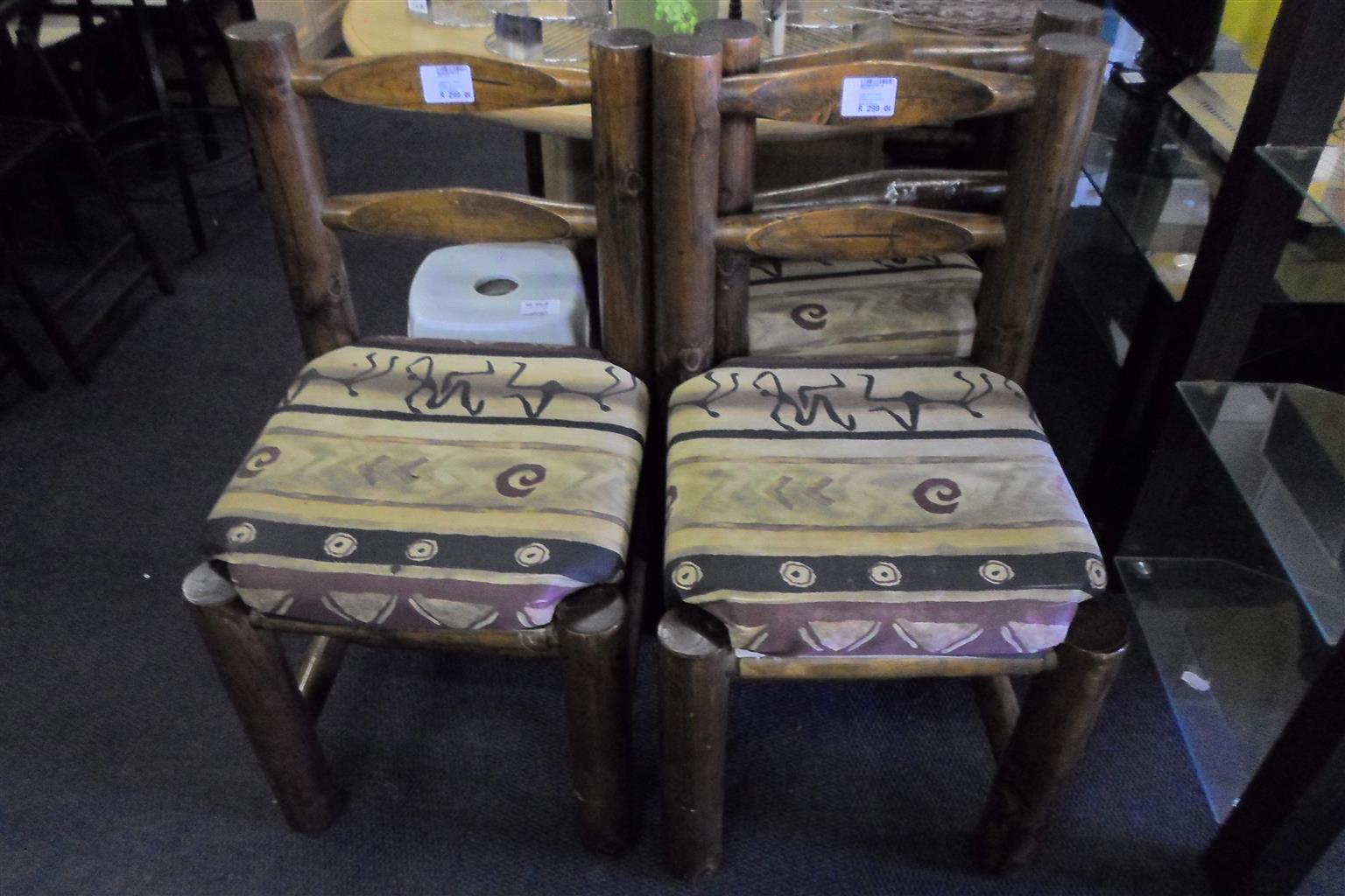 6x Wooden Log Style Material Chairs