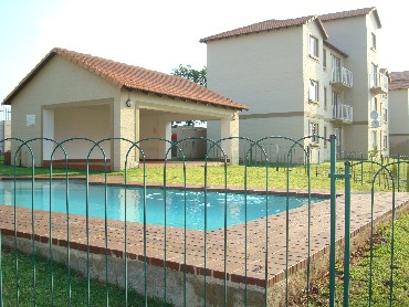 Available 1 August Townhouse in Gold Reef Sands Ormonde