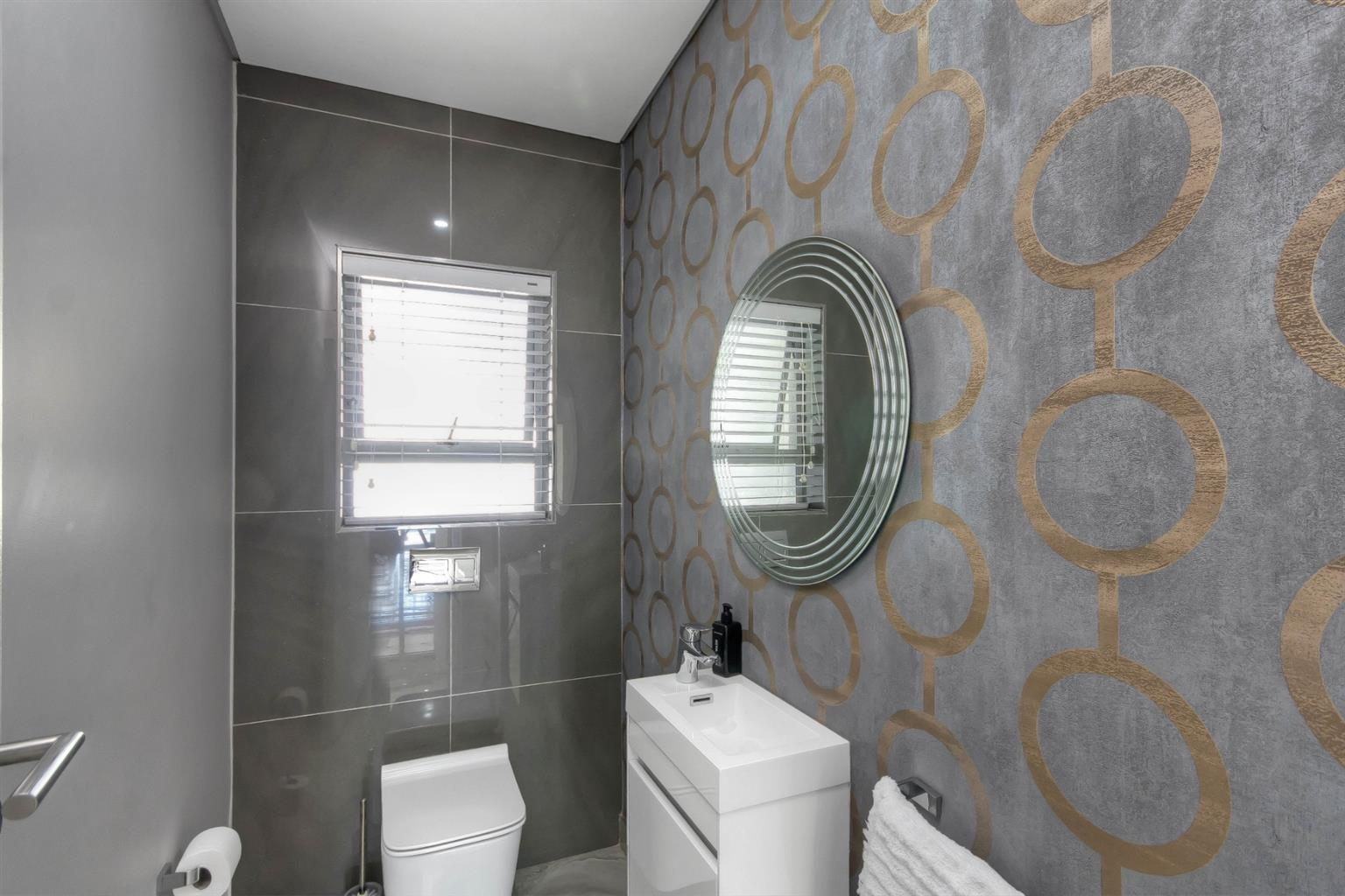 House For Sale in Atholl