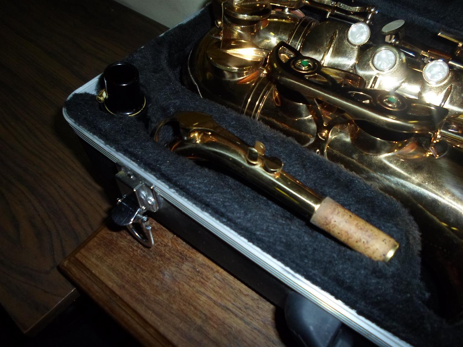 Crystal USA Saxophone