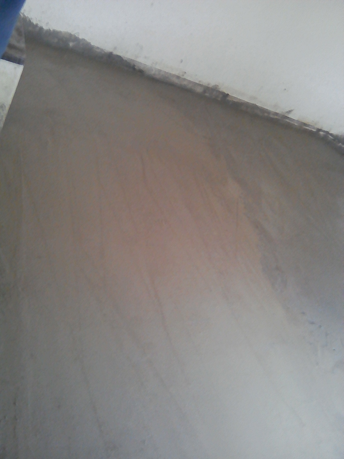 Striping of wooden floors and laying of concrete