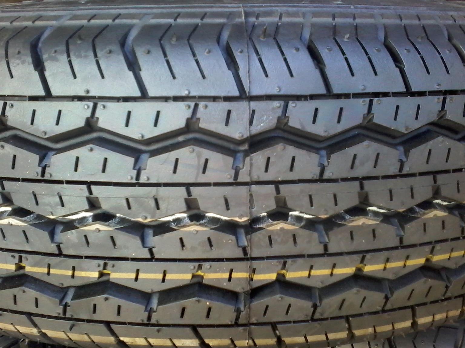 Tyres. 195R15c Bridgestone