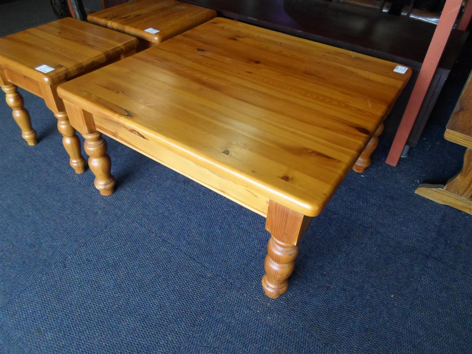 Oregon Pine Coffee Table + 2 Side Tables