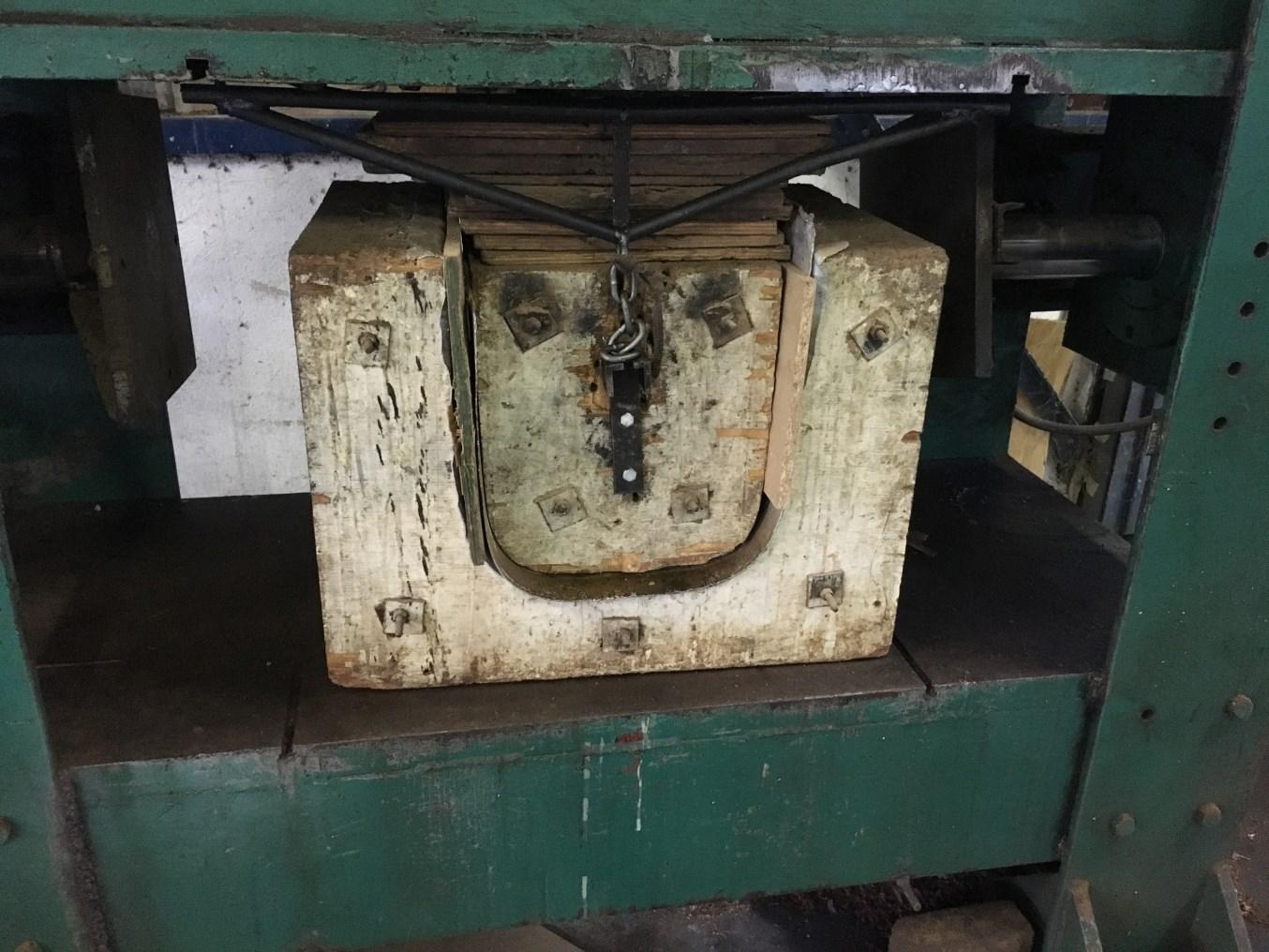 Veneer Press Moulds