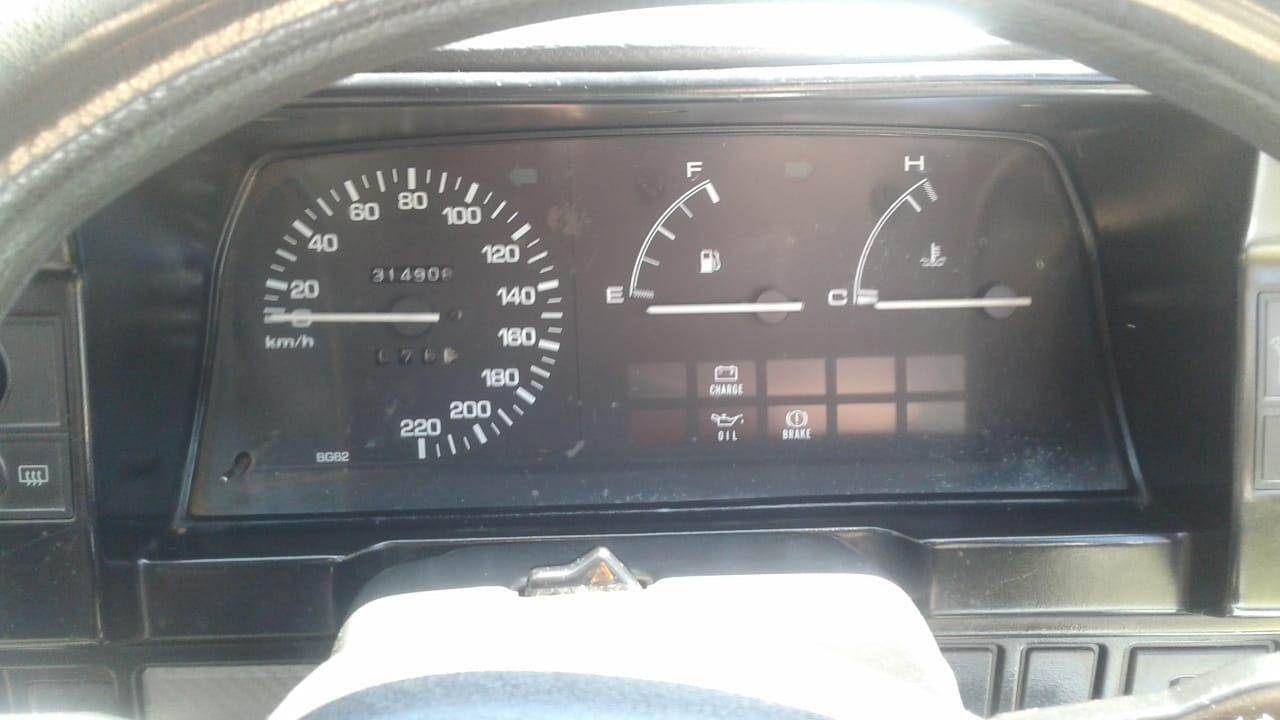 2002 Mazda 323