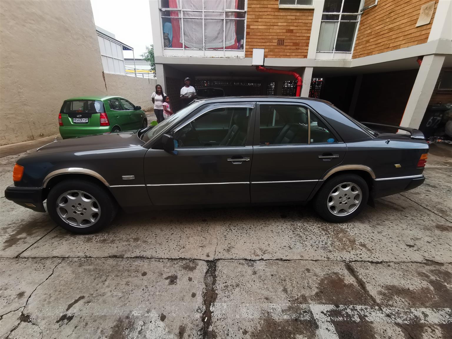 1990 Mercedes Benz 230E