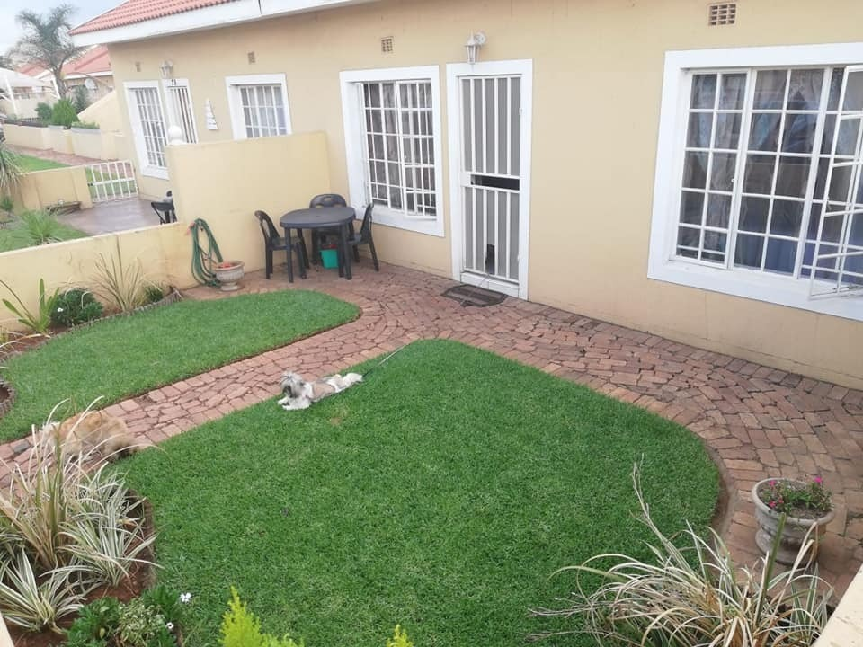 Townhouse For Sale in Kookrus