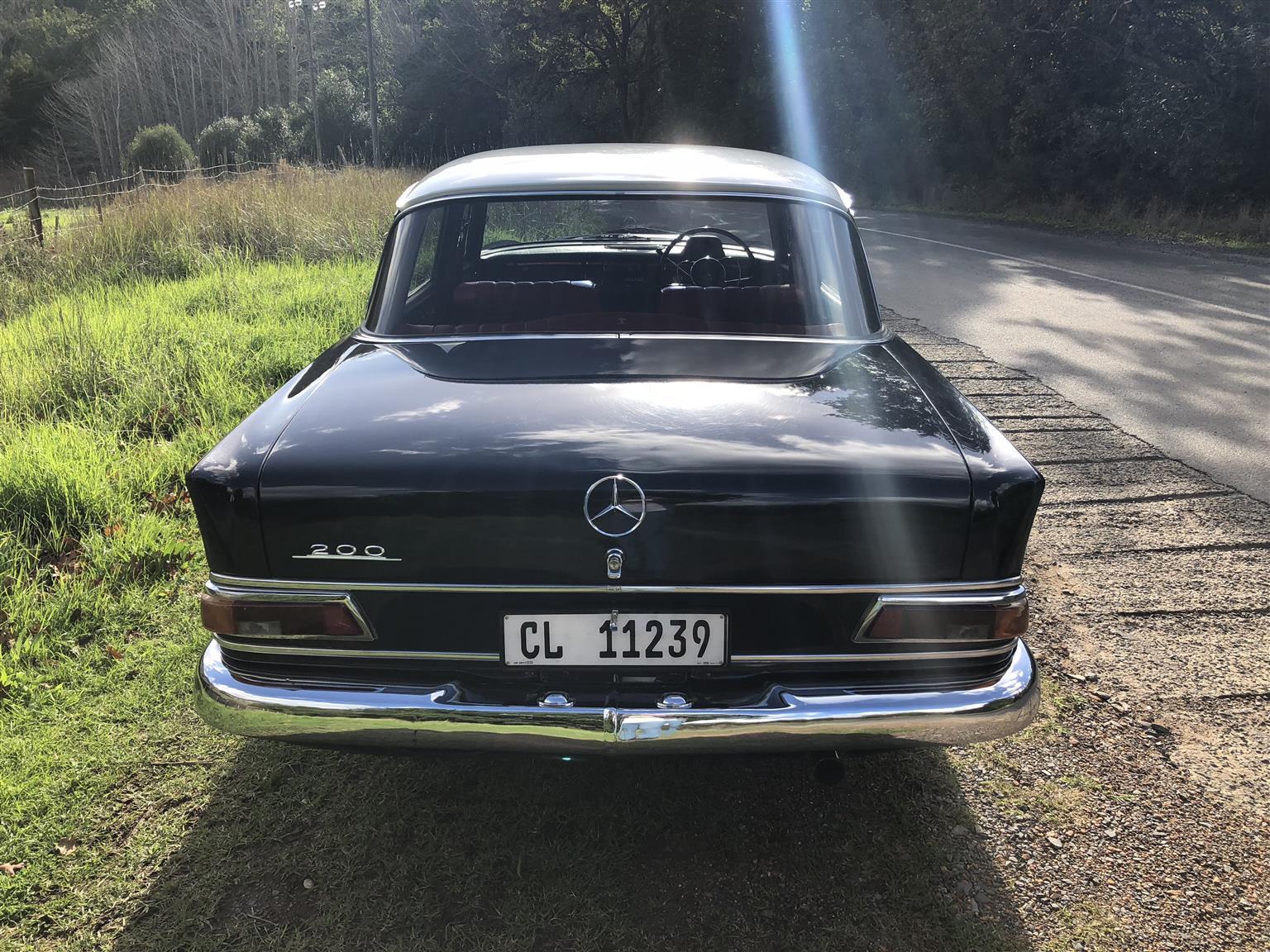 1967 mercedes Fintail