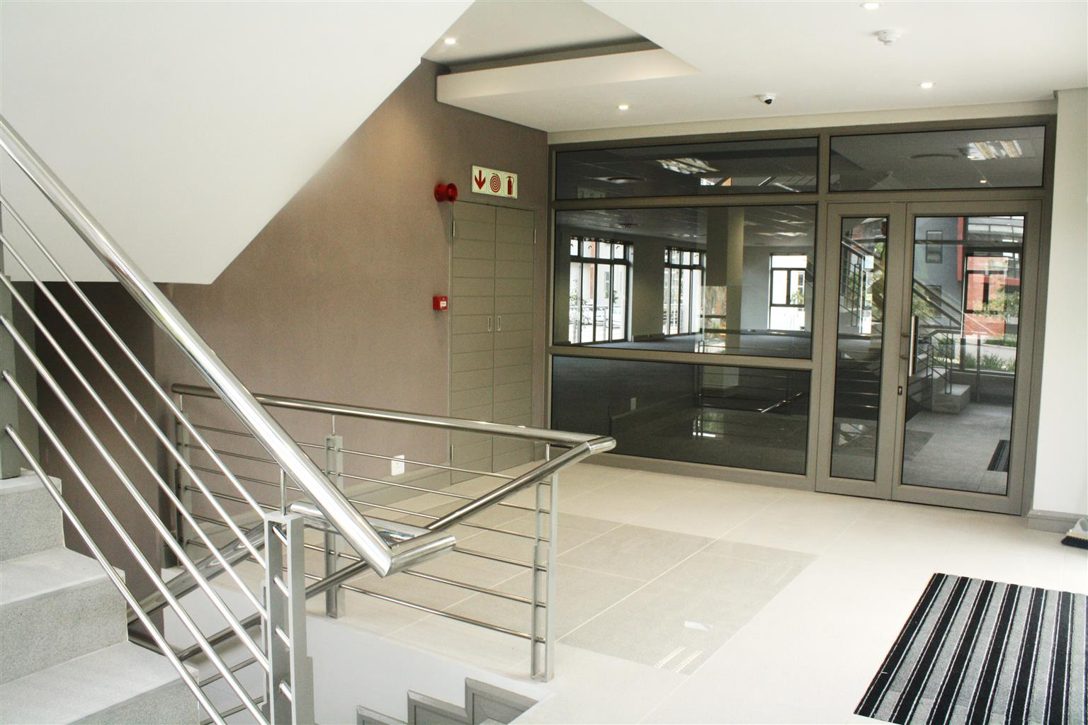 CENTURY CITY: 273m2 Office To Let