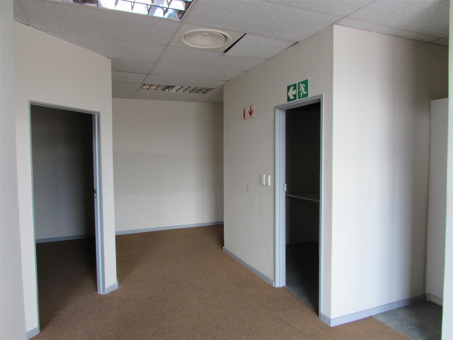 MILNERTON: 100m2 Office To Let