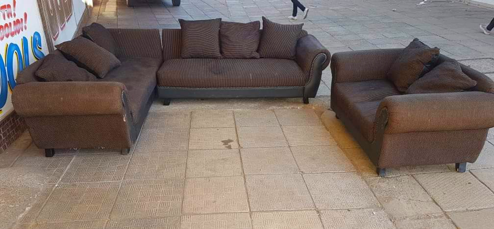 Lounge suite/ couches for sale