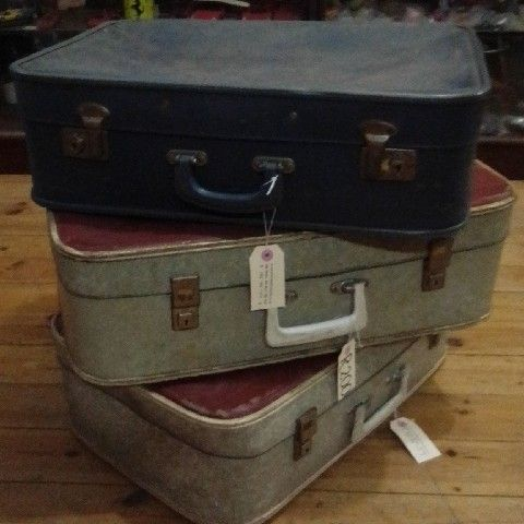 Vintage suitcases R200ea