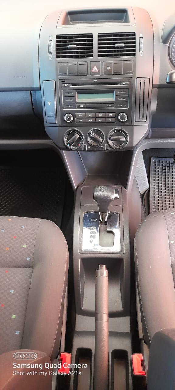2009 VOLKSWAGEN 1.6 COMFORTLINE AUTO