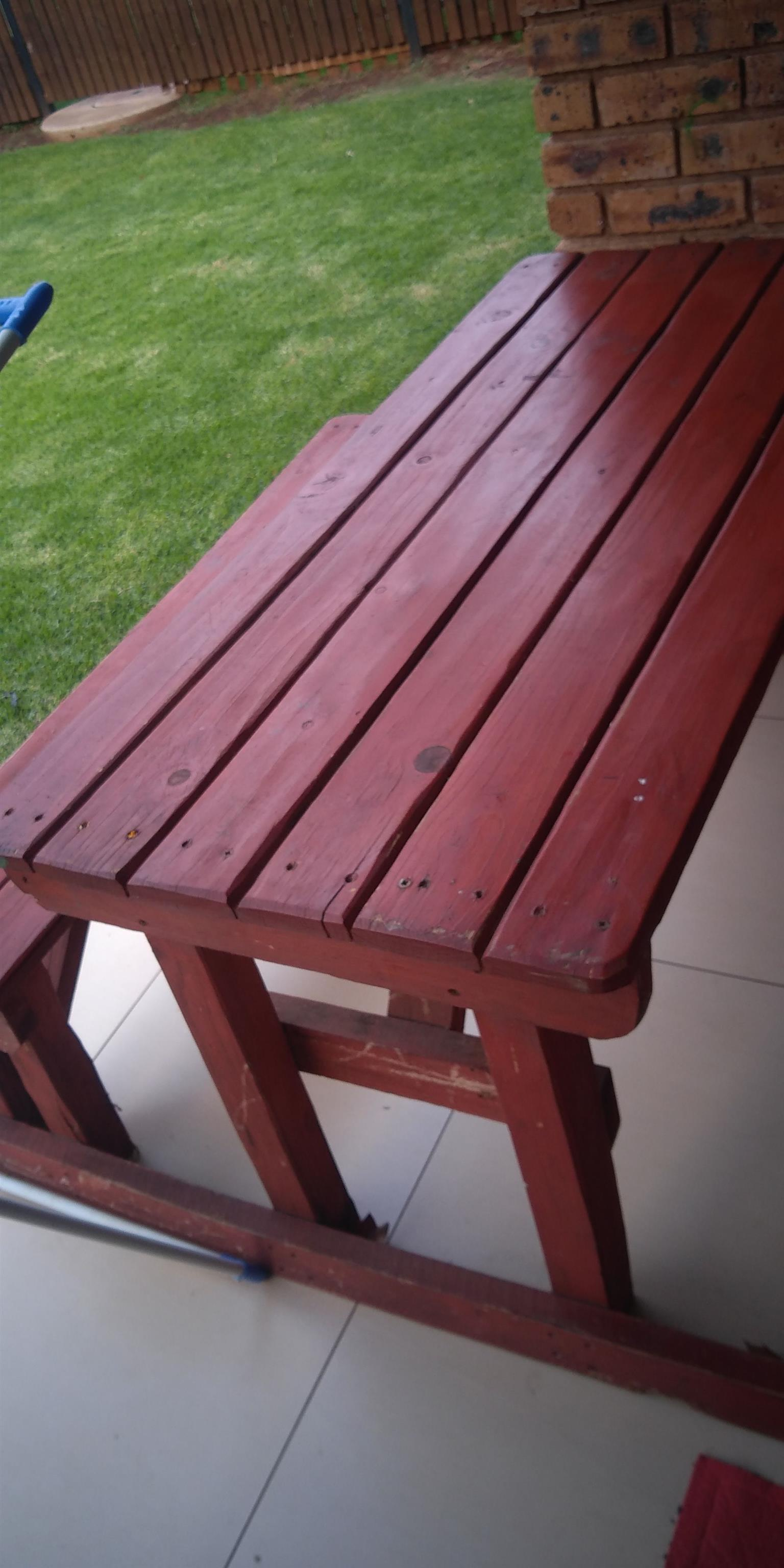Outdoor beanch (wooden table)