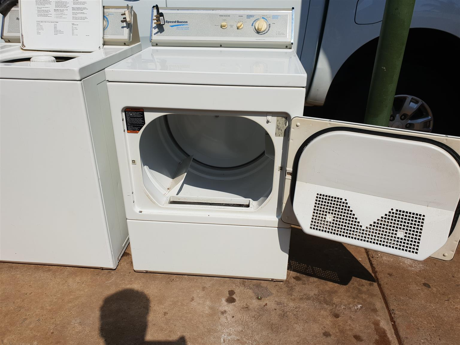 Speed Queen combo washing machine and tumble dryer for sale R 5500 pleas call me on 0726985652