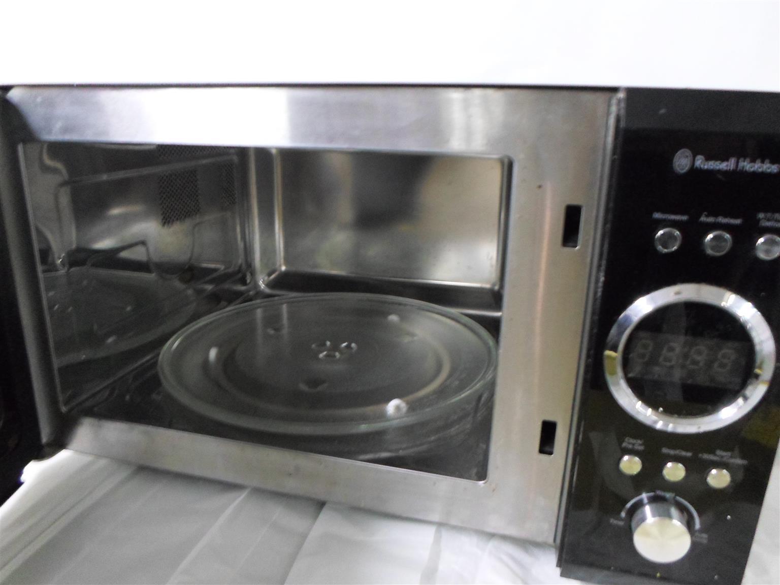 RHM28L Russel Hobbs Microwave