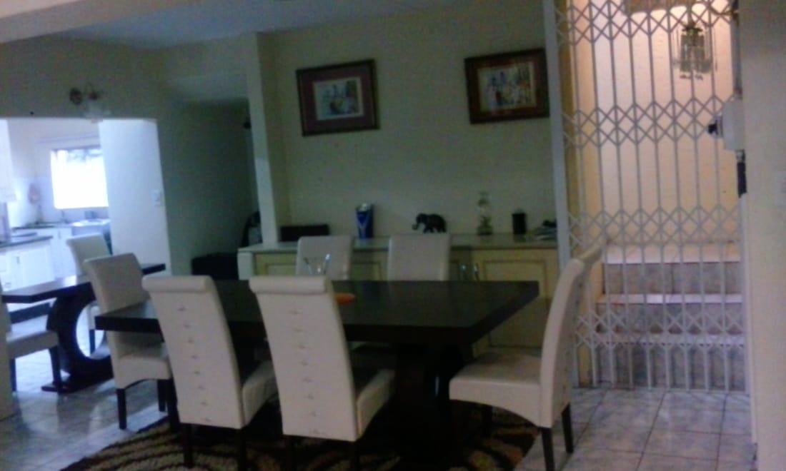 2 Bedroom Ground floor apartment to rent in White River