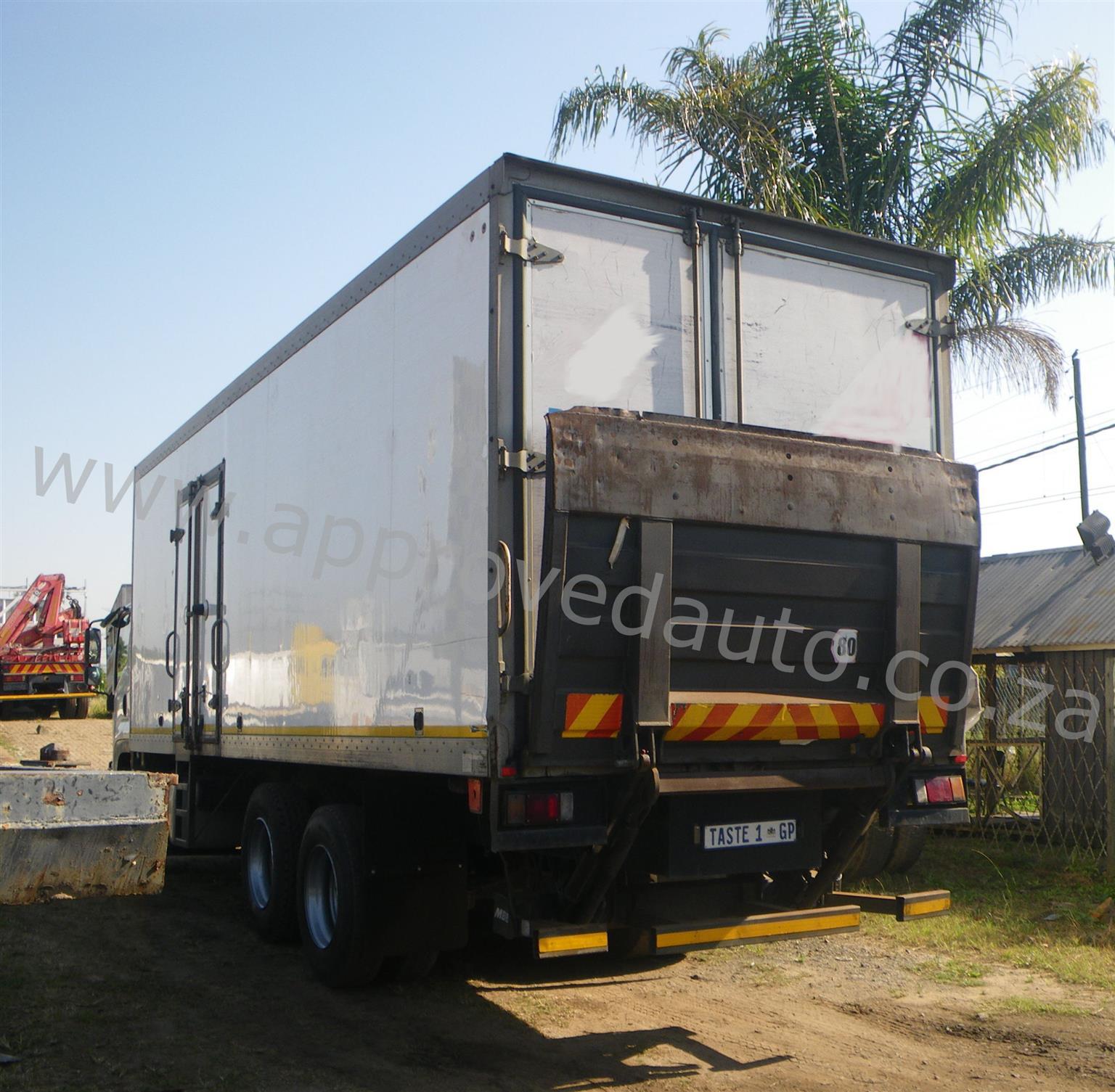 2013 Isuzu FVM1200 fridge truck – AA3090