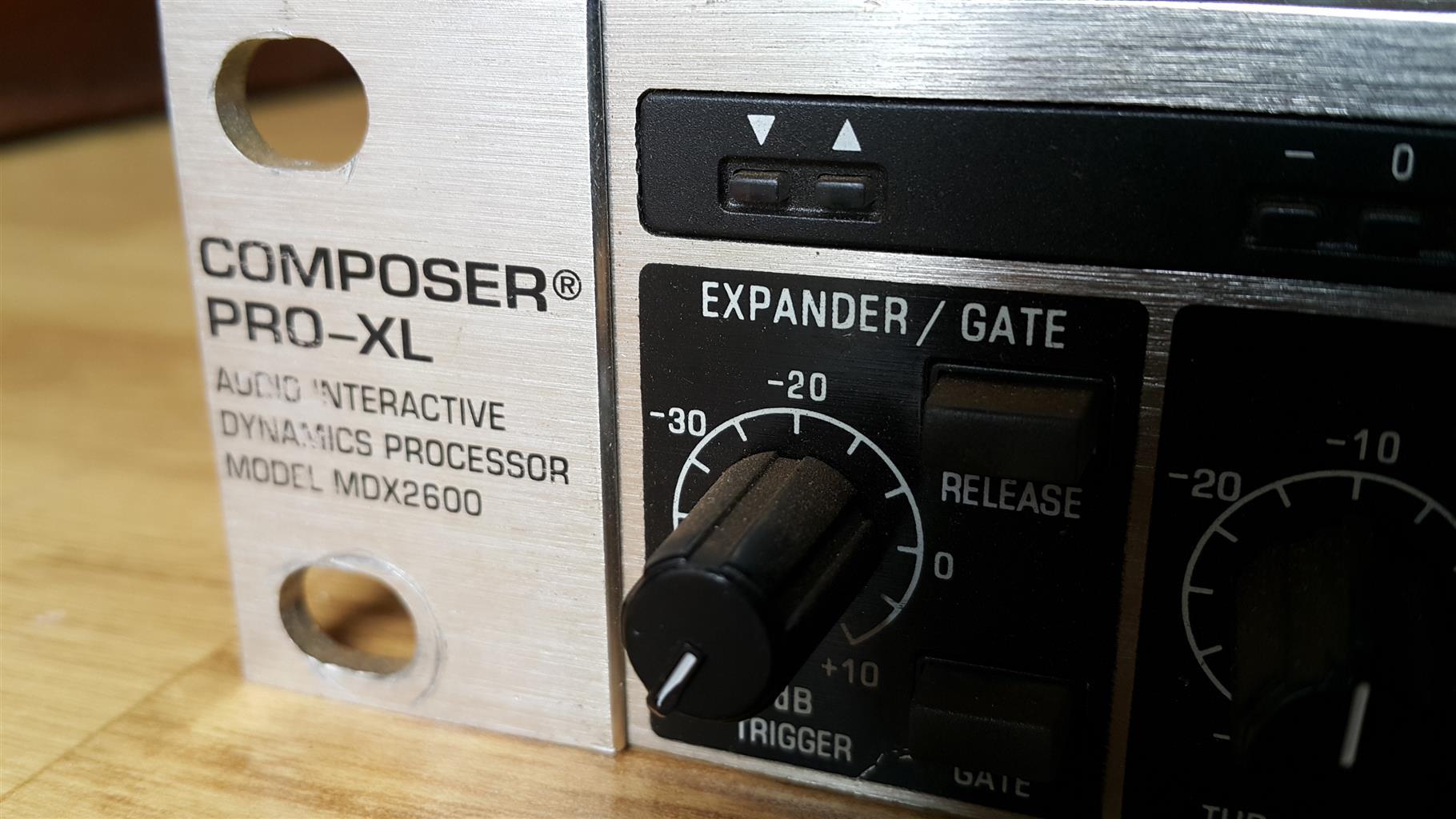 Behringer Composer Pro XL MDX2600