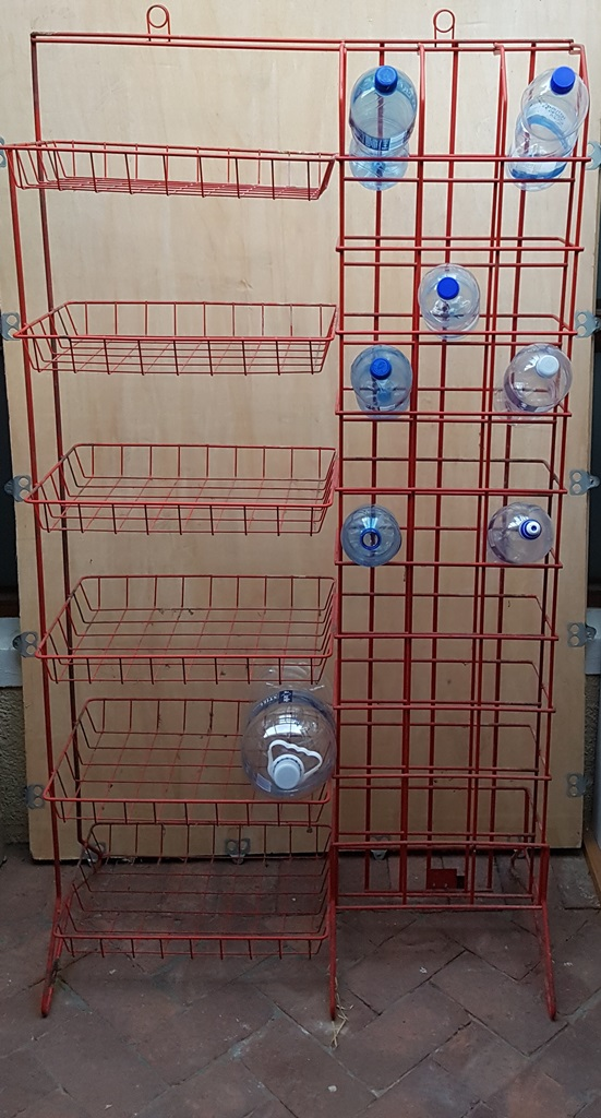 Pantry stand for sale R500: 6 baskets and 33 bottle holders