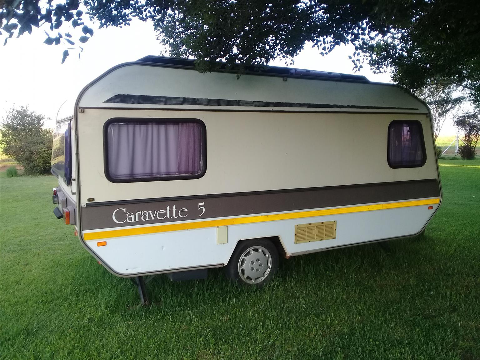 1984 Caravette 5 caravan