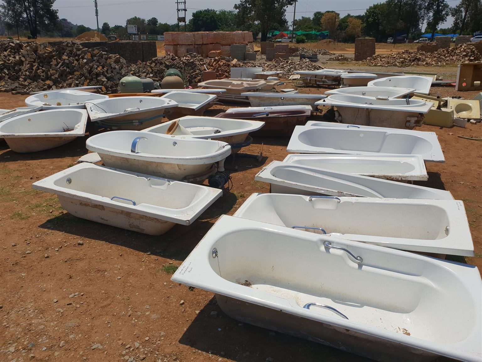 We sell new and 2nd hand building material