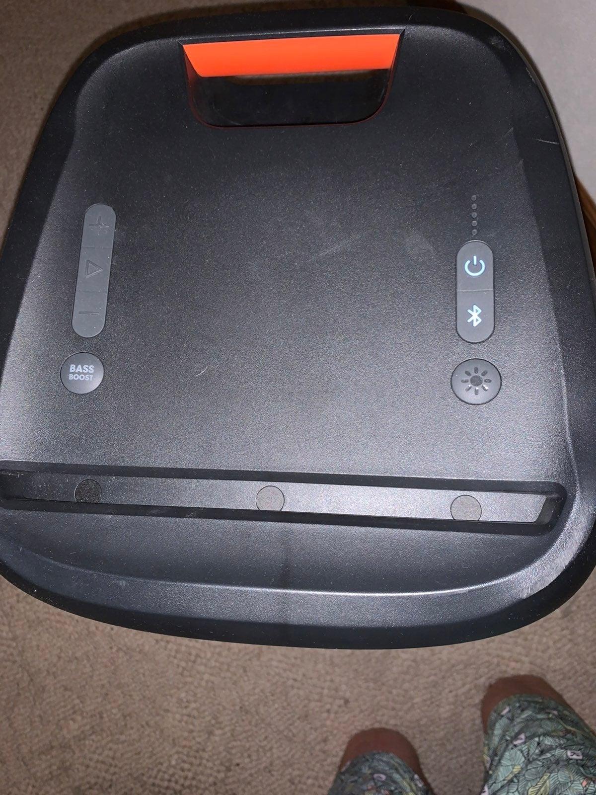 JBL partybox 300.