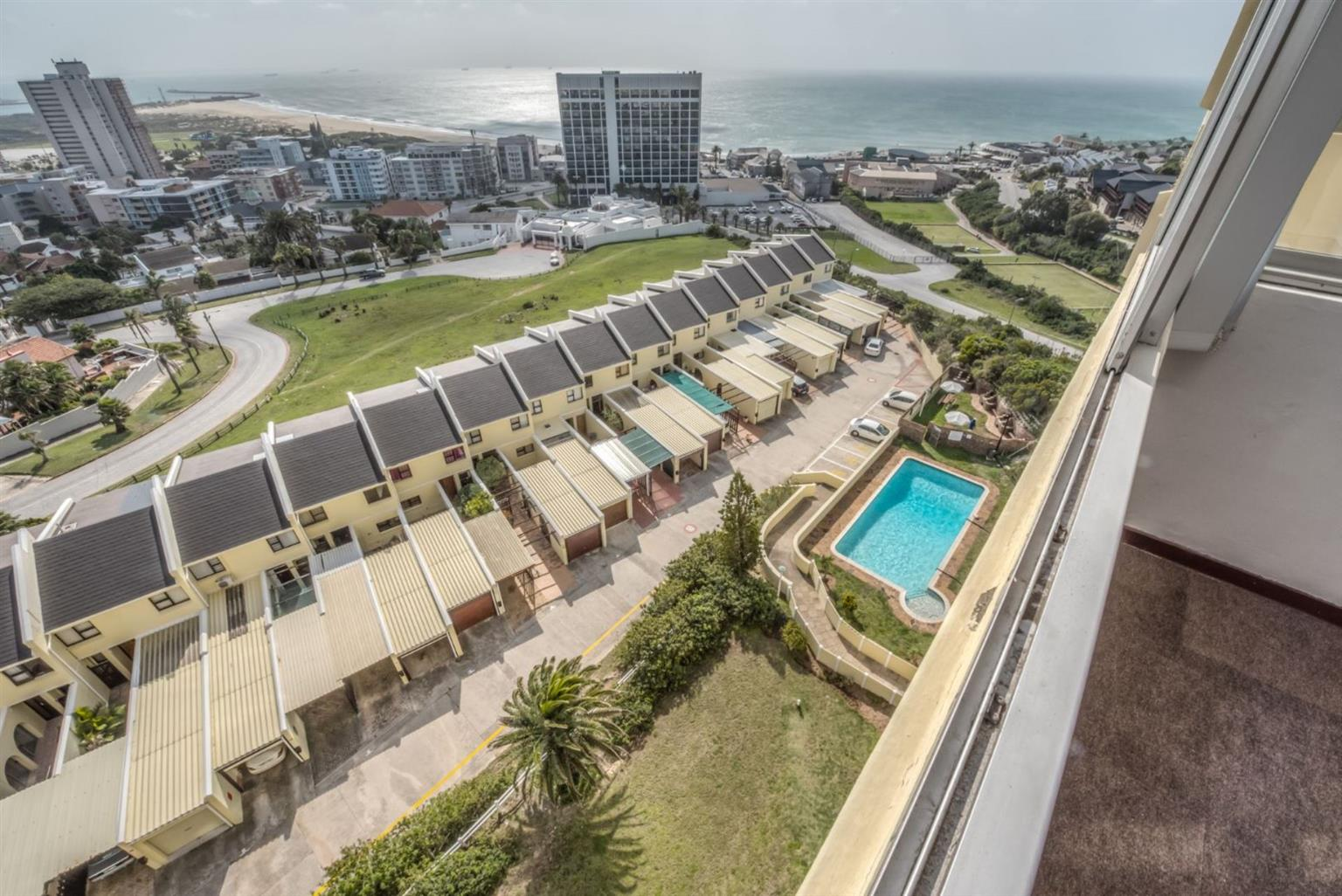 Apartment For Sale in HUMEWOOD