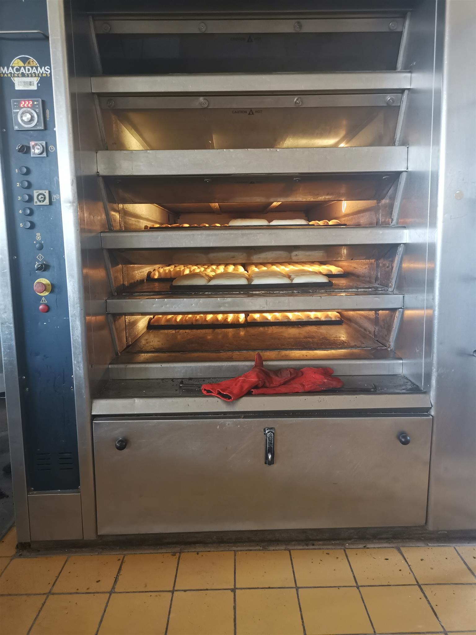 BAKERY OVEN MACADAMS 5 DECK WORKING CONDITION and 2 MIXERS