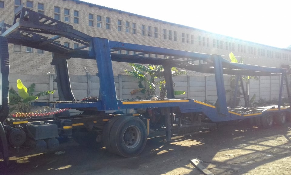 8 car carrier trailer for sale very good condition !!!