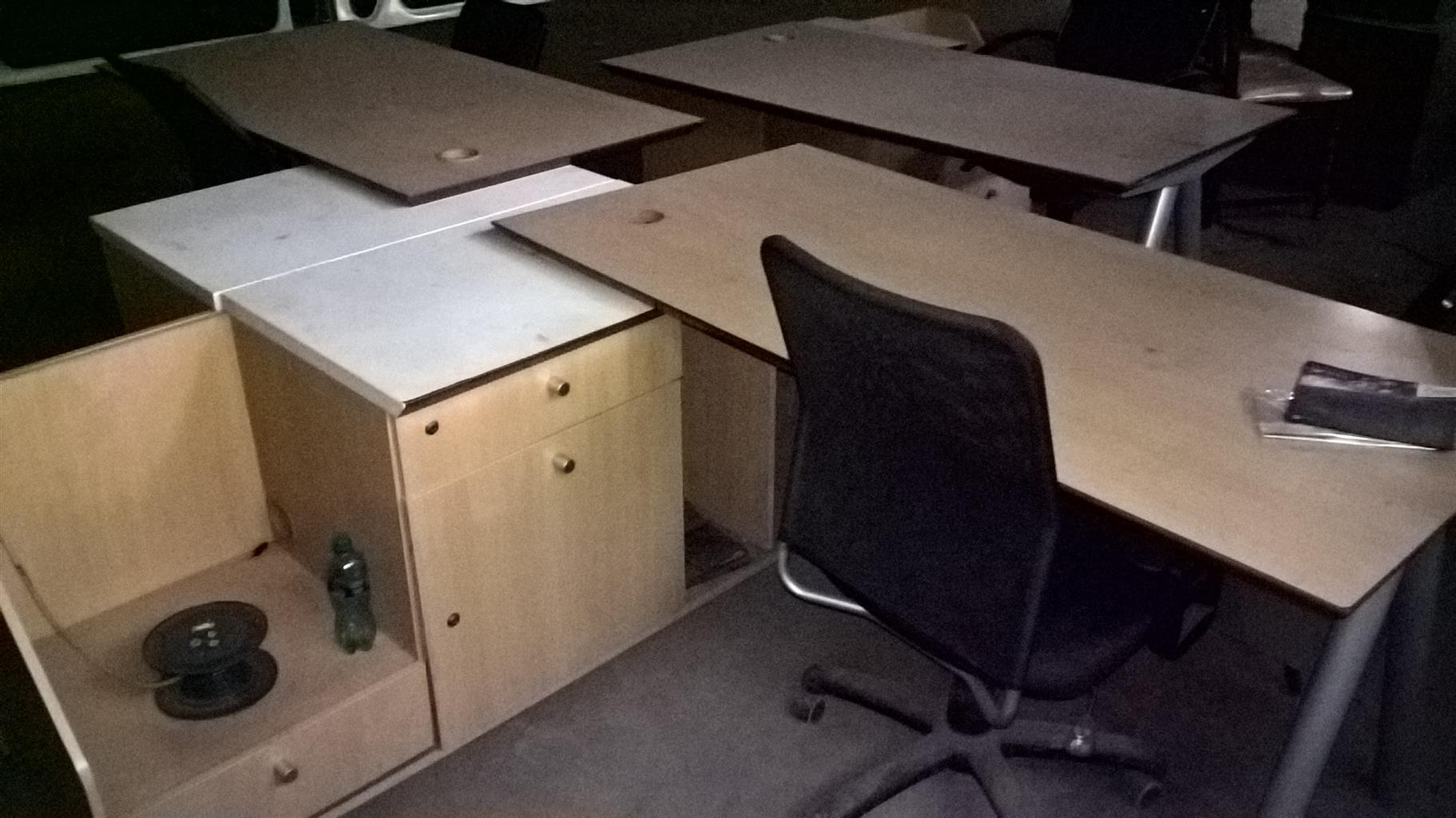 get 2 office desk at the price of 1