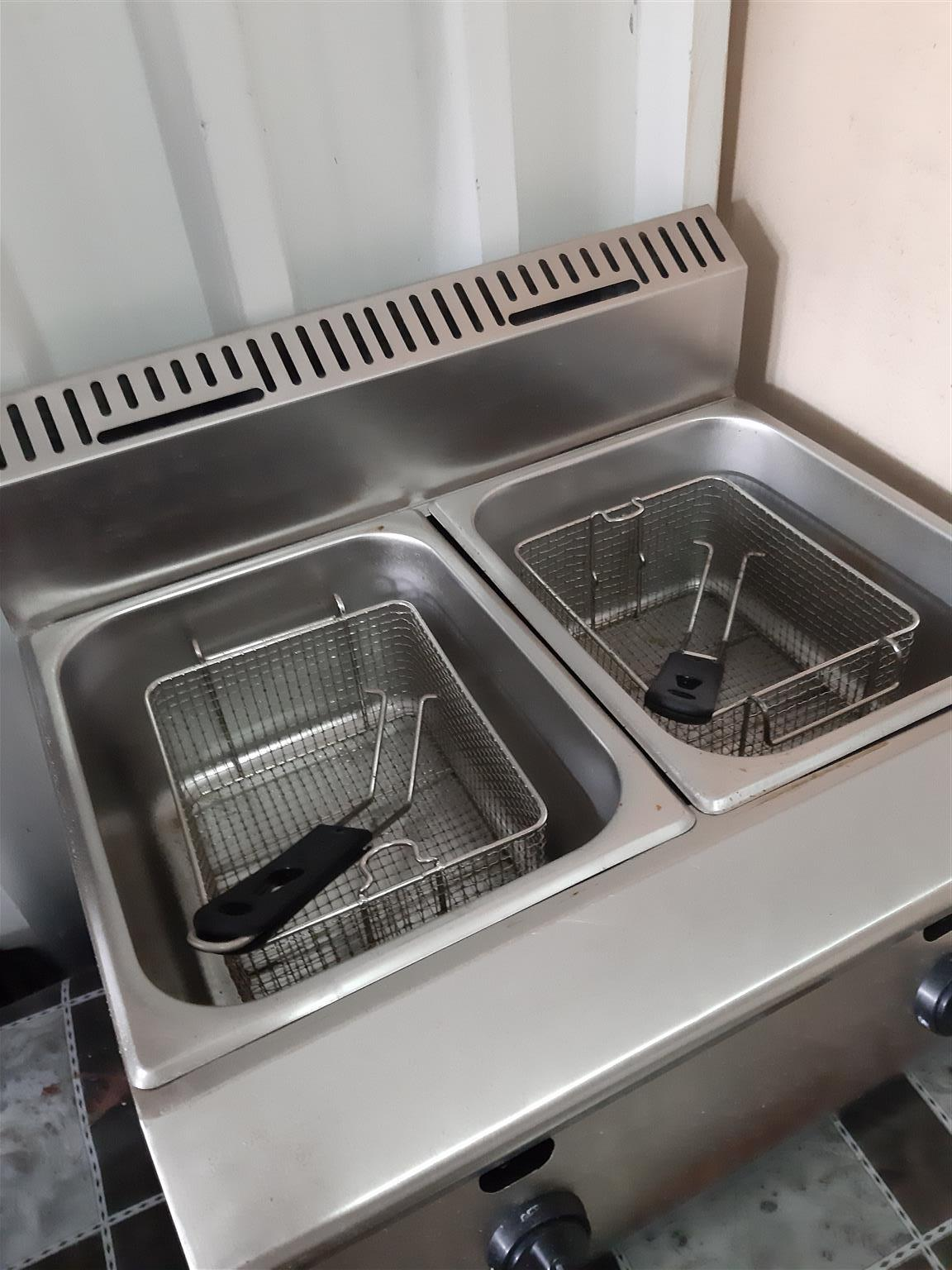 Double Gas chip fryer and chip cutter forsale