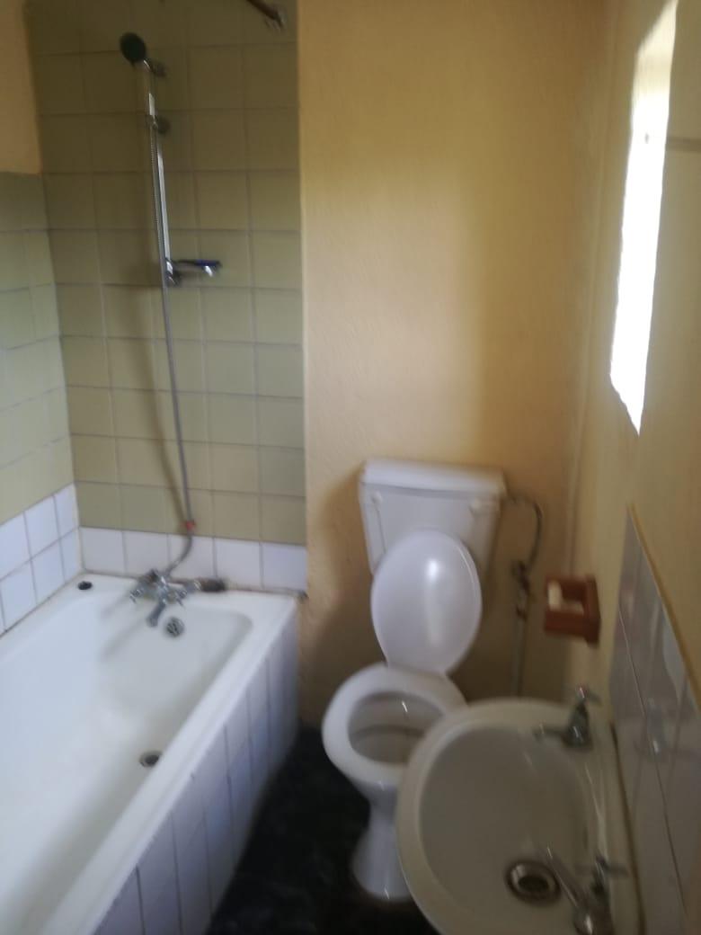 3 Bedroom house with 1 Beroom flat