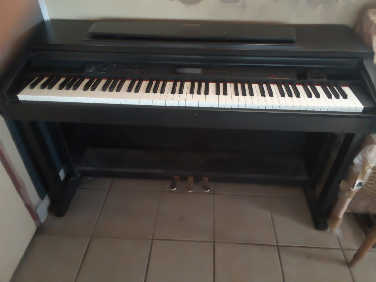 Digital piano with recording memory card like new hardly for sale in Crestview Waterfall Hillcrest