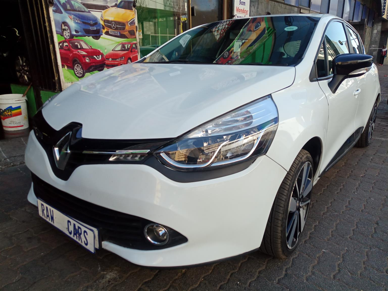 2016 Renault Clio 1.4 Expression 5 door