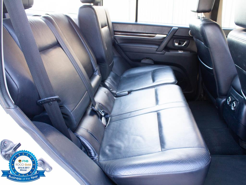 2011 Mitsubishi Pajero 5 door 3.2DI D GLS