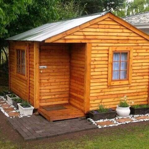 Pallet wood wendy houses